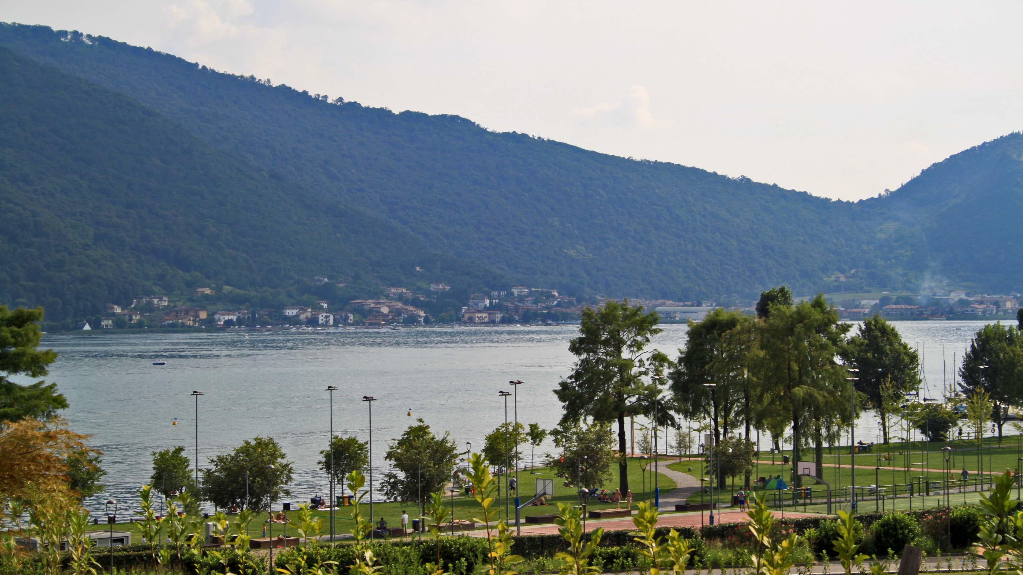Residenze nettuno appartamento 8 lago d iseo sarnico bg - Bagni nettuno sanremo ...